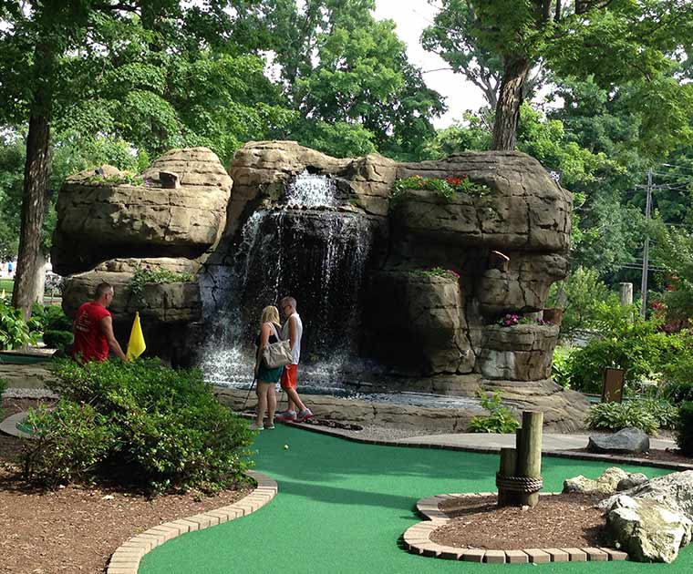 Perry's Cave Family Fun Center - Put-in-Bay - War of 18 Holes Miniature Golf